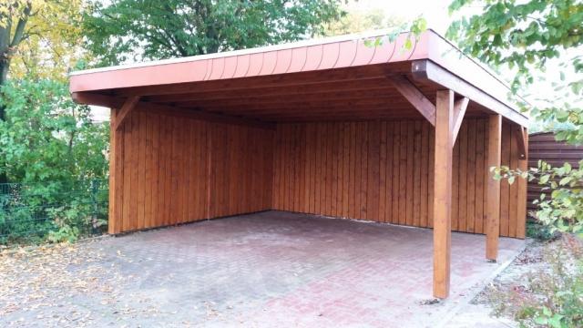 Doppel-Carport, schwerer Sichtschutz, Dachverblendung in Schiefer