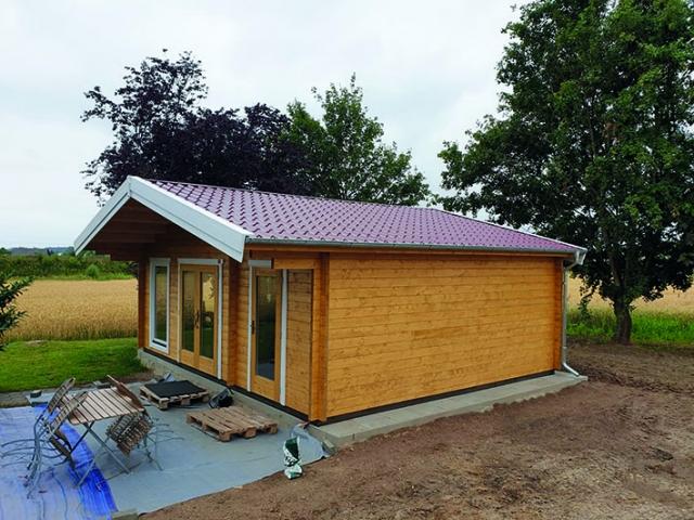 Gartenhaus, Satteldach, Doppel- und Einzeltür, Ziegeleindeckung